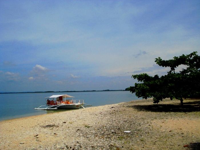 boat olotayan island