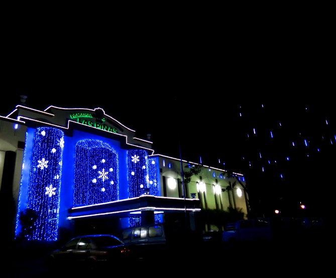 Las Piñas City Hall at Christmas 2