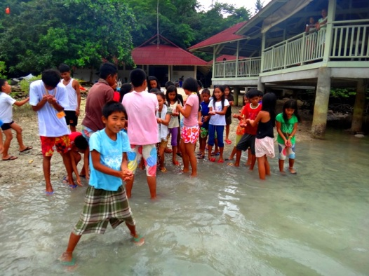 Facilitating a water activity at Danjugan Island