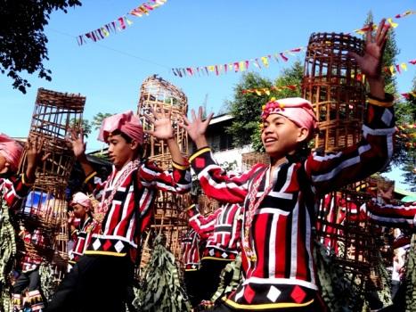 Happy Dancers, Malaybalay Municipality (Bukidnon tribe), Kaamulan Festival Street dance 2013, Malaybalay, Bukidnon, Mindanao, Philippines