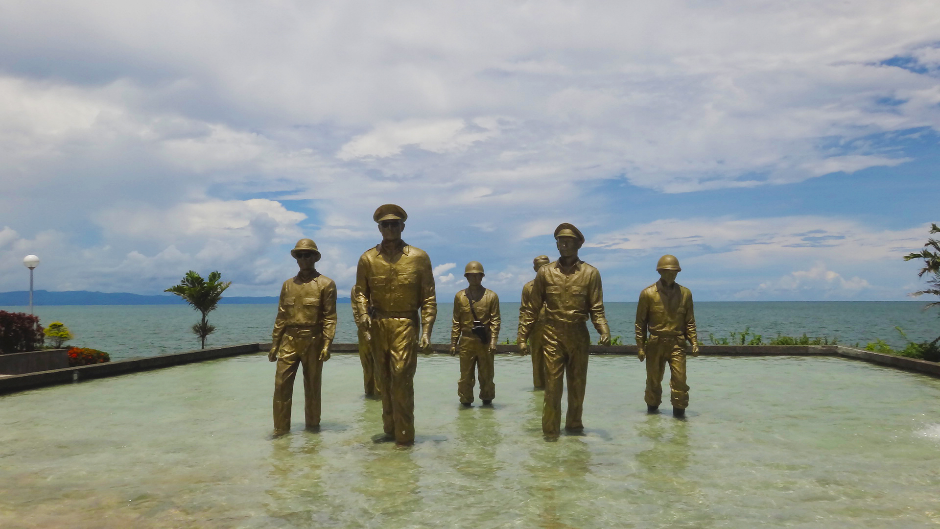 the general douglas macarthur landing memoria essay The leyte landing memorial in red beach, palo, marks the spot where american liberation forces of general douglas macarthur landed the battle of leyte in the pacific campaign of world war ii was the invasion and conquest of leyte in the philippines by the united states and australian forces and allied filipino guerrillas under the command of general douglas macarthur and waged against the.