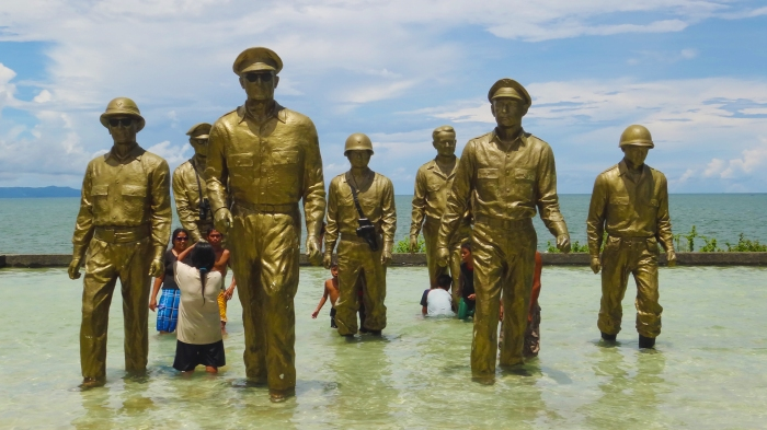 People swimming =( MacArthur Landing Memorial, Palo, Leyte, Douglas MacArthur I shall return, Philippines