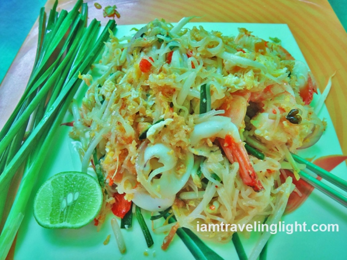 best pad thai in thailand, The Original Pad Thai at Tha Chang Pier, near grand palace, bangkok