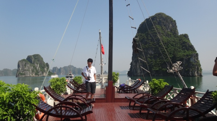halong bay cruise boat deck