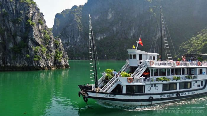 halong bay cruise cover photo (watermark)
