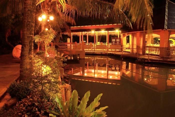 bulawan-floating-restaurant-seafood-filipino-food-pinoy-pililla-rizal-windmills