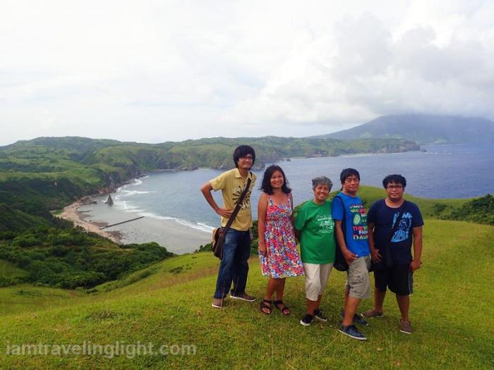 batanes-racuh-a-payaman-sea-hills-sky-family-trip