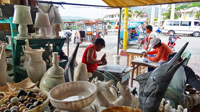 romblon-marble-making-scuplture-workshop-street-stall