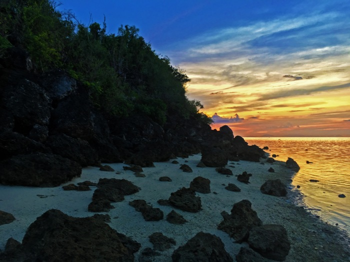 White sand and rocks on shore, sunrise, Alibijaban Island, Quezon, backpacking Philippines, white beach, remote
