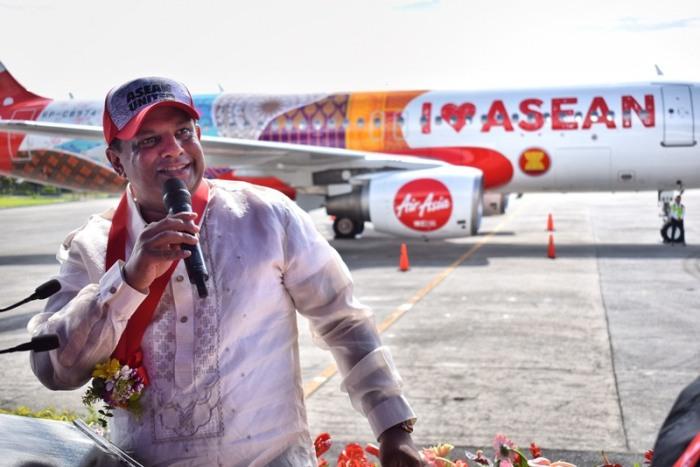 AirAsia group CEO Tony Fernandes, speech, opening, ASEAN 50 years anniversary, livery, AirAsia plane, I love ASEAN plane