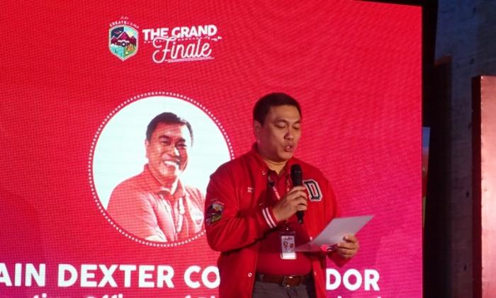Captain Dexter Comendador, AirAsia.JPG