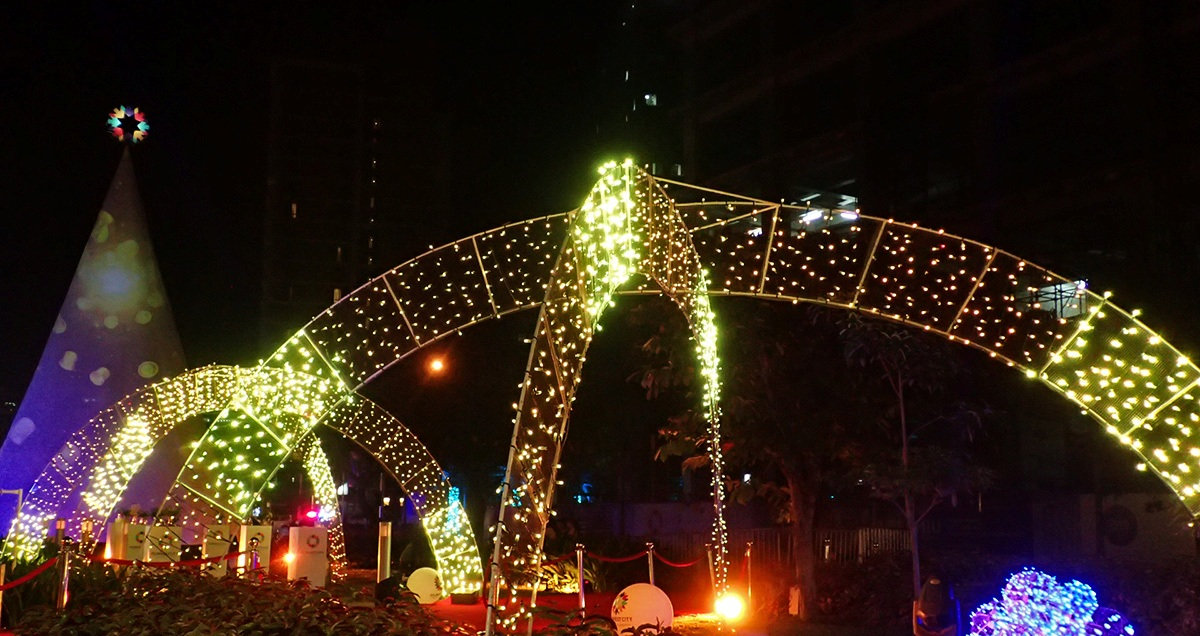 Christmas Lights In Pampanga.In Photos Storybook Feels At Sparkle Of Christmas Light